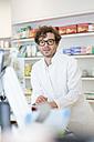 Portrait of pharmacist - FKF001082