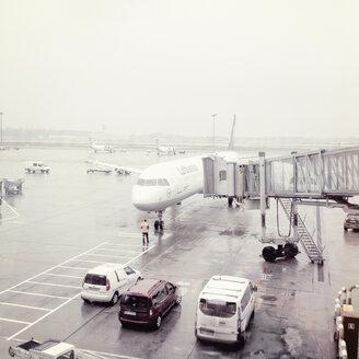 Warsaw airport, aircraft at gate, Warsaw, Poland - MS004602