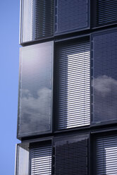 Germany, Dortmund, modern office building with solar cells - GUF000113
