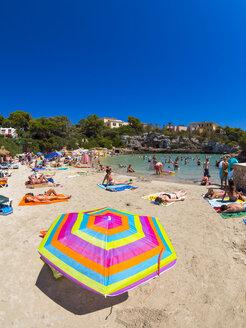 Spain, Baleares, Majorca, beach of Cala Ferrera - AM004043