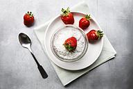 Vegan strawberry chia pudding - EVGF001747