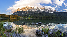Germany, Bavaria, Grainau, Wetterstein mountains, Eibsee lake with Zugspitze - STSF000794