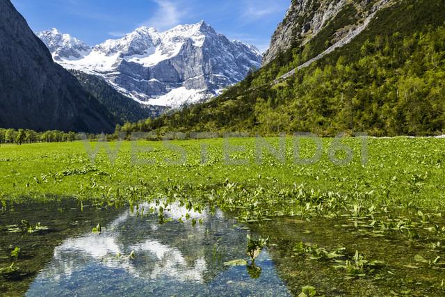 Austria, Tyrol, Karwendel, Riss Valley, View to Grosser Ahornboden mountain with Spritzkarspitze - STSF000797