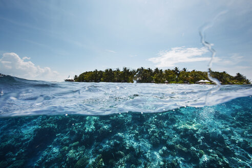 Maldives, view from the Indian Ocean to an island - STKF001302