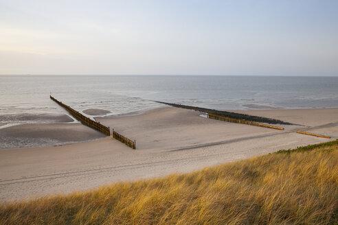 Germany, Lower Saxony, East Frisia, Wangerooge, North Sea Coast, beach and breakwater - WIF002207