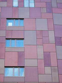 Germany, Hamburg, modern residential house - KRPF001453