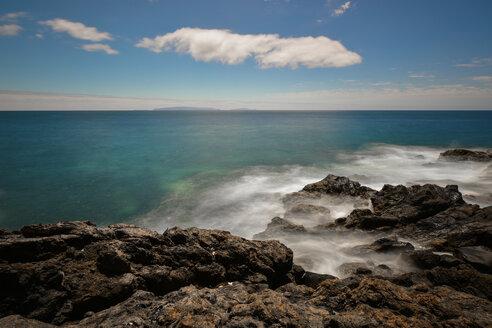Portugal, Madeira, Rocky atlantic coast - FDF000114