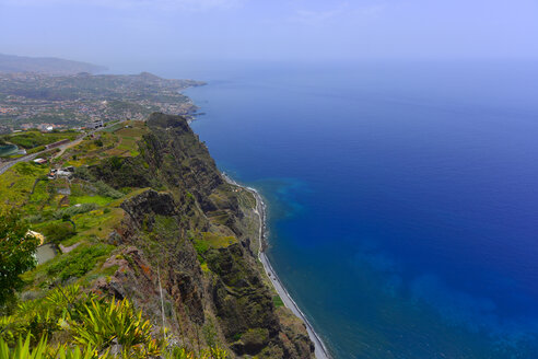 Portugal, Madeira, Atlantic coast - FDF000107
