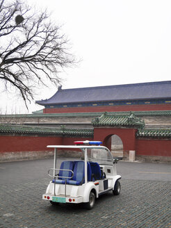 China, Beijing, electric vehicle parking in front of Temple of Heaven - JM000349