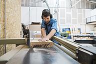 Carpenter working in workshop - JUBF000051