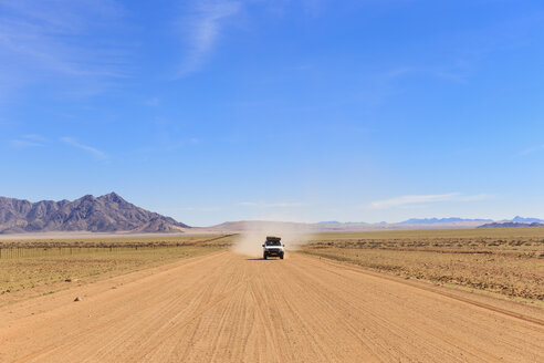 Namibia, cross country vehicle on gravel road 707 - FOF008146