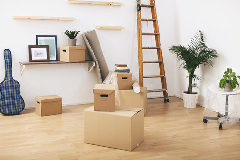 Moving in - EBSF000797