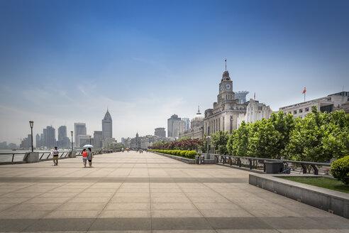 China, Shanghai, Bund Promenade - NKF000332
