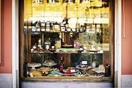 Italy, Liguria, Riva Trigoso, shop window of a delicacy shop with homemade sweets - DIK000147