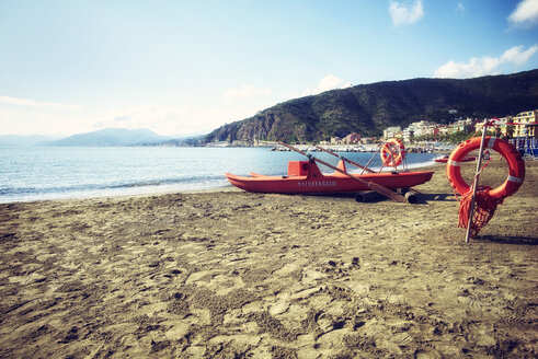 Italy, Liguria, beach of Trigoso near Sestri Levante - DIK000151