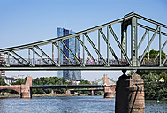 Germany, Frankfurt, Eiserner Steg, old bridge and European Central Bank - SIE006652
