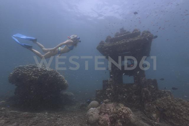 Indonesia, Bali, woman snorkeling in the Indian Ocean - TOVF000013