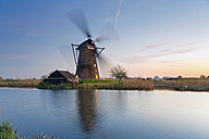 Netherlands, Kinderdijk, view to Kinderdijk wind mill at twilight - MEMF000901
