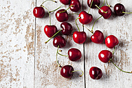 Cherries on wood - CSF025983