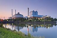 Germany, Hamburg, coal power plant in the evening - MEMF000913