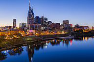 USA, Tennessee, Nashville and Cumberland river in the evening, blue hour - GIOF000077