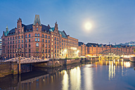 Germany, Hamburg, Speicherstadt at full moon - MSF004709
