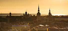 Estonia, Tallinn, Cityview at sunset, Panorama - FCF000745