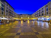 Spain, Mallorca, Palma de Mallorca, Placa Major at blue hour - AMF004123