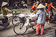 Vietnam, street vendors with bicycles - EH000144