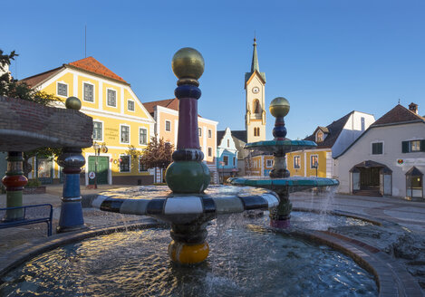 Austria, Lower Austria, Zwettl, Hundertwasser fountain on main square - SIE006726
