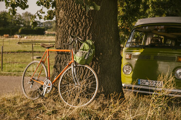 Van and racing bicycle in the nature - MFF002084