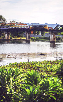 Thailand, Kanchanaburi, bridge on the River Kwai - EH000194