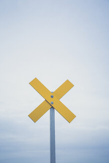 Germany, Brandenburg, navigation mark at river Oder - ASCF000338