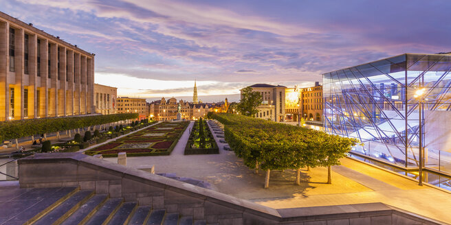 Belgium, Brussels, Mont des Arts, Congress Center Square, Glass Cube, park and townhall towerand lower city in the evening - WDF003190