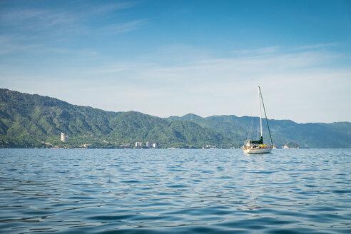 Mexico, Puerto Vallarta, Banderas Bay, Sailing boat - ABAF001895