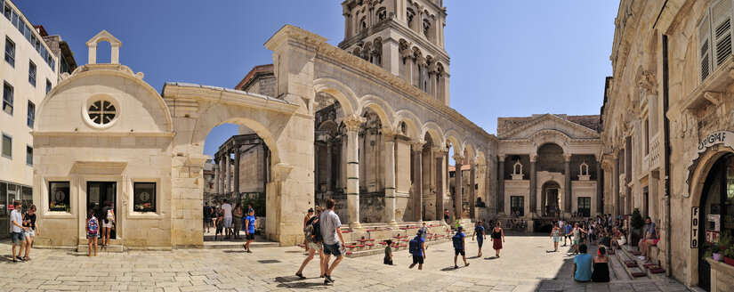 Croatia, Split, peristyle of the Diocletian's Palace, Cathedral of Saint Domnius - BTF000362