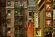 USA, New York City, Buildings in Chinatown - ON000923