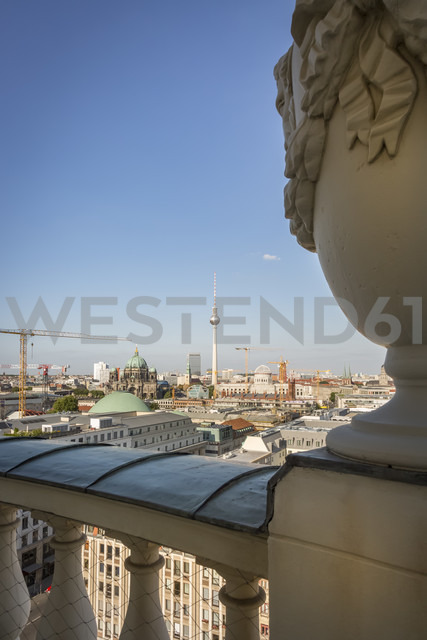 Germany, Berlin, view to the city from roof terrace of French Cathedral - NKF000389 - Stefan Kunert/Westend61