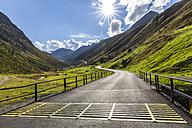 Austria, Soelden, view to Rettenbach glacier and empty Oeztal Glacier Road - STSF000883