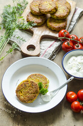 Quinoa fritters with herbed curd cheese - ODF001292