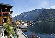 Austria, Upper Austria, Hallstatt at Lake Hallstatt - WWF003868