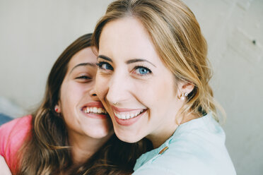 Laughing young woman and girl - GEMF000372