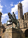 Spain, Barcelona, equestrian statue on Placa Ramon Berenguer el Gran and Cathedral - AMF004232