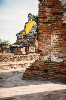 Thailand, Ayutthaya, ancient Buddha statue - EHF000223