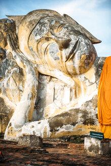 Thailand, Ayutthaya, lying Buddha statue at Wat Lokayasutharam - EHF000225