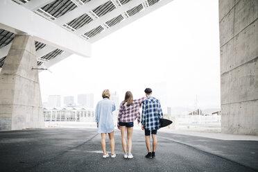Three friends longboarding in the city - JRFF000093