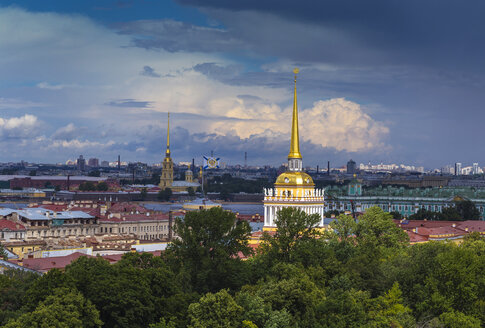 Russia, Saint Petersburg, Admiralty and Peter and Paul Cathedral in background - KNTF000076