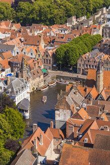 Belgium, Flanders, Bruges, Old town, Rozenhoedkaai, canal - WDF003304