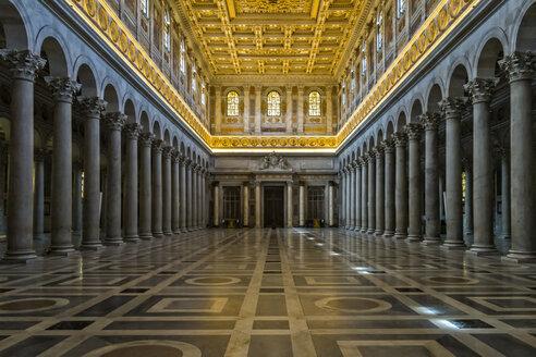 Italy, Rome, Basilica San Paolo fuori le Mura, interior view - LOM000054