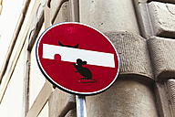 Italy, Florence, funny traffic signal - GEM000443